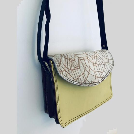 Soruka Small Crossbody Leather Bag